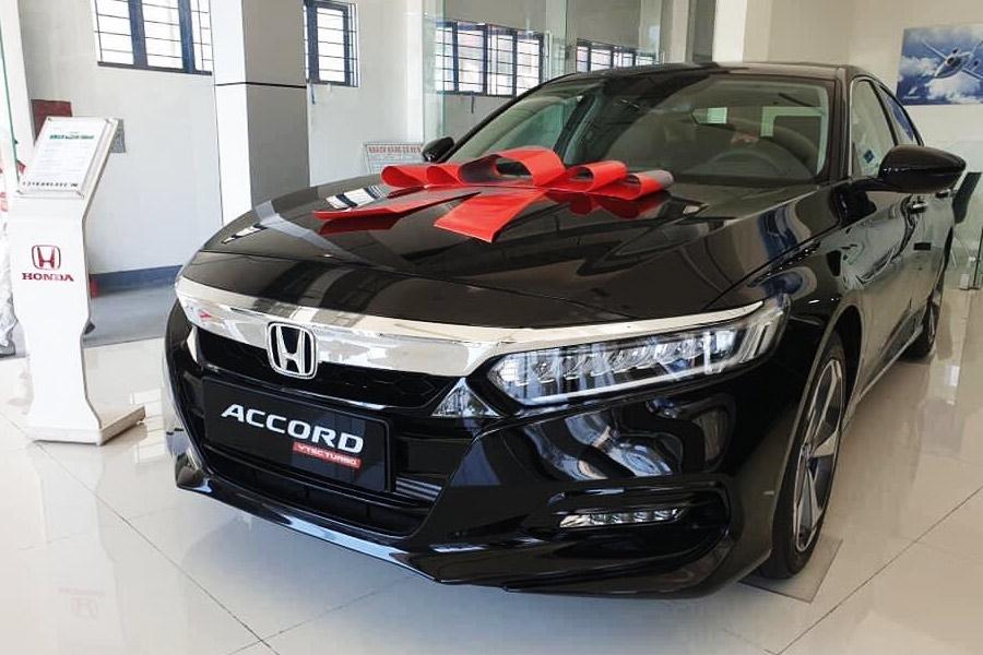 Honda Accord màu đen