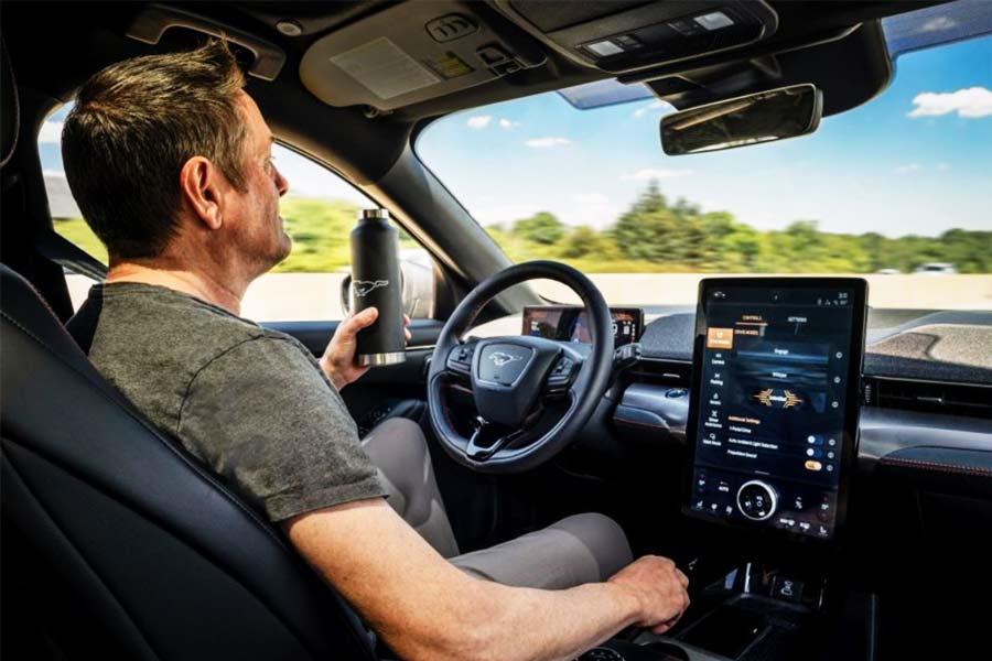Các tư thế lái xe ô tô an toàn cơ bản
